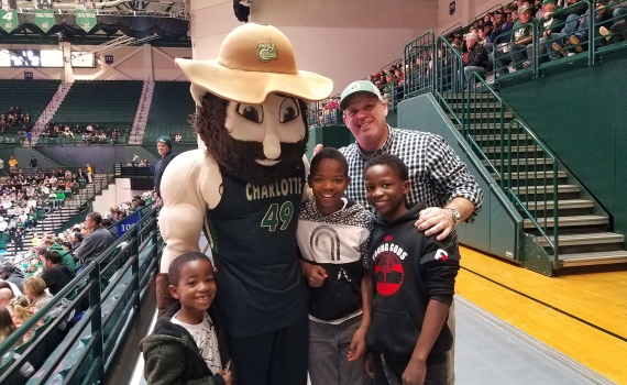 WBM Cheers on UNCC Basketball